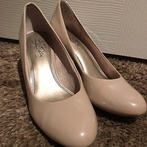 Women's LifeStride Beige Heels